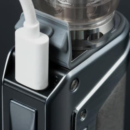 Geekvape Aegis L200 Legend 2 Charging
